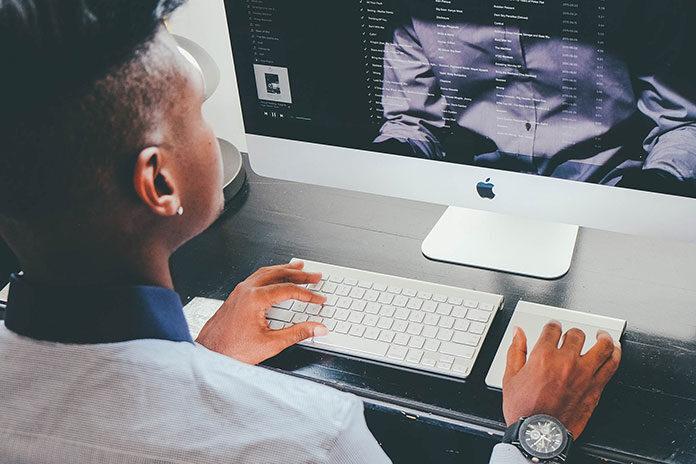 monitor biurkowy