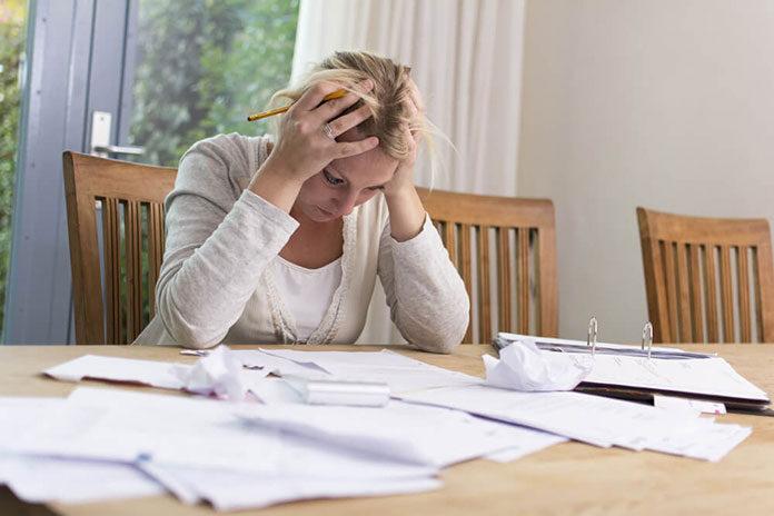 Czy osoby bardzo zadłużone mogą skonsolidować kredyty